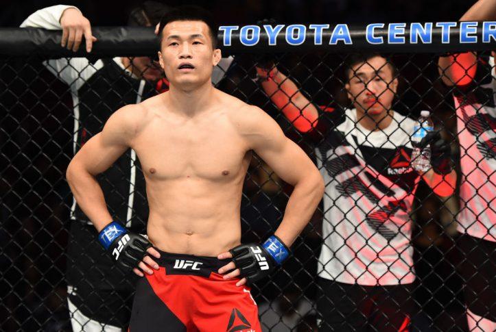 UFCファイトナイト・ヒューストン:デニス・バミューデス vs. ジョン・チャンソン【テキサス州ヒューストン/2017年2月5日(Photo by Jeff Bottari/Zuffa LLC/Zuffa LLC via Getty Images)】