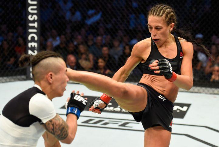 UFC 211:ヨアンナ・イェンドジェイチェク vs. ジェシカ・アンドラージ【アメリカ・テキサス州ダラス/2017年5月13日(Photo by Josh Hedges/Zuffa LLC/Zuffa LLC via Getty Images)】