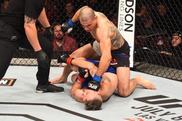 UFCファイトナイト・オークランド:ダミアン・ブラウン vs. ヴィンス・ピシェル【ニュージーランド・オークランド/2017年6月11日(Photo by Josh Hedges/Zuffa LLC/Zuffa LLC via Getty Images)】