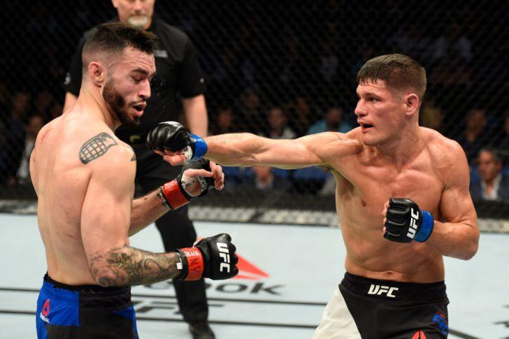 UFC 210:シェーン・ブルゴス vs. チャールズ・ローザ【アメリカ・ニューヨーク州バッファロー/2017年4月8日(Photo by Josh Hedges/Zuffa LLC/Zuffa LLC via Getty Images)】