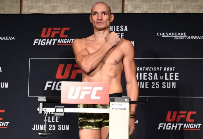 UFCファイトナイト・オクラホマシティ:公式計量に登場したヴィトー ...
