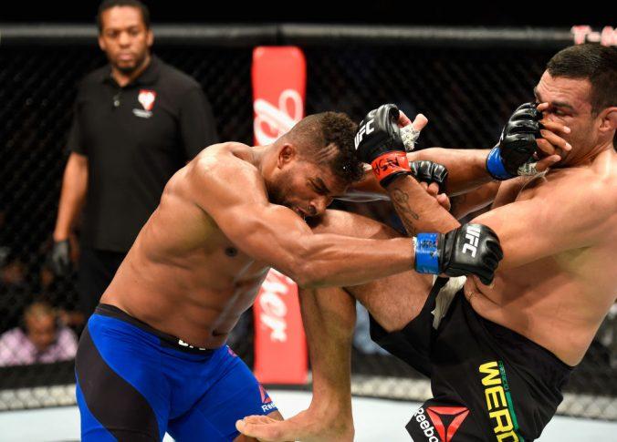 UFC 213:ファブリシオ・ヴェウドゥム vs. アリスター・オーフレイム【アメリカ・ネバダ州ラスベガス/2017年7月8日(Photo by Josh Hedges/Zuffa LLC/Zuffa LLC via Getty Images)】