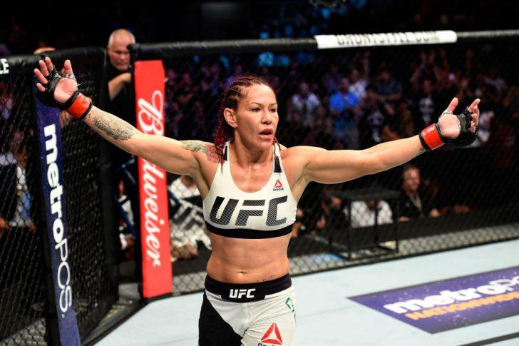 UFC 214:クリスチャン・サイボーグ vs. トーニャ・エヴァンジャー【アメリカ・カリフォルニア州アナハイム/2017年7月29日(Photo by Josh Hedges/Zuffa LLC/Zuffa LLC via Getty Images)】
