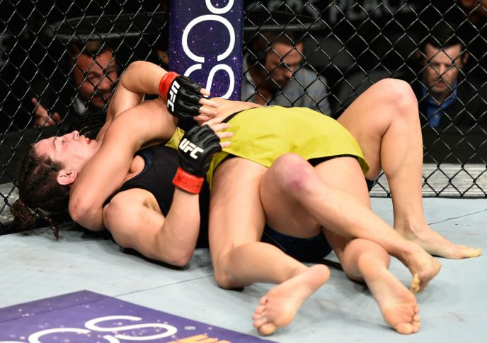 UFC 215:サラ・マクマン vs. ケトレン・ヴィエラ【カナダ・エドモントン/2017年9月9日(Photo by Jeff Bottari/Zuffa LLC/Zuffa LLC via Getty Images)】