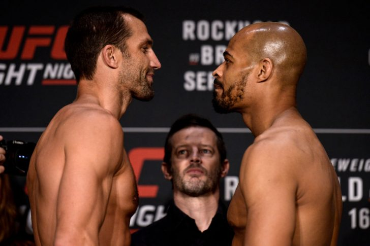 UFCファイトナイト・ピッツバーグ:フェイスオフに臨んだルーク・ロックホールドとデビッド・ブランチ【ペンシルバニア州・アメリカ/2017年9月15日(Photo by Brandon Magnus/Zuffa LLC/Zuffa LLC via Getty Images)】