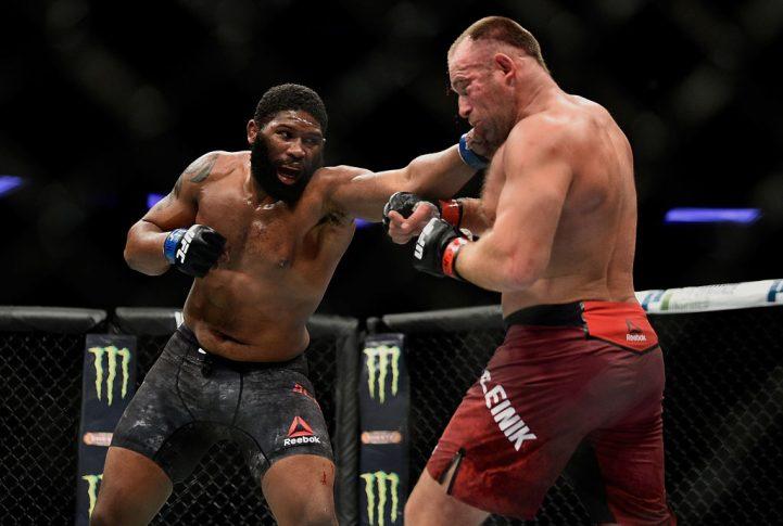 UFC 217:アレクセイ・オレイニク vs. カーティス・ブレイズ【アメリカ・ニューヨーク州ニューヨーク/2017年11月4日(Photo by Jeff Bottari/Zuffa LLC/Zuffa LLC via Getty Images)】