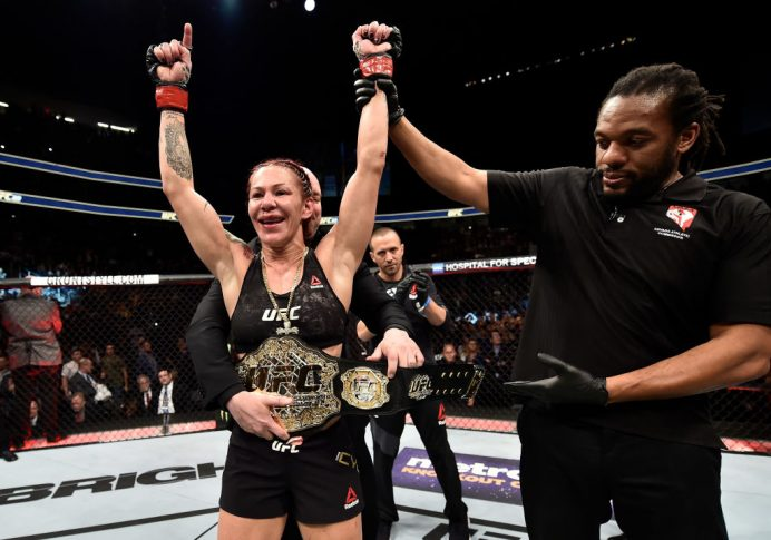 UFC 219:クリスチャン・サイボーグ vs. ホリー・ホルム【アメリカ・ネバダ州ラスベガス/2017年12月30日(Photo by Jeff Bottari/Zuffa LLC/Zuffa LLC via Getty Images)】