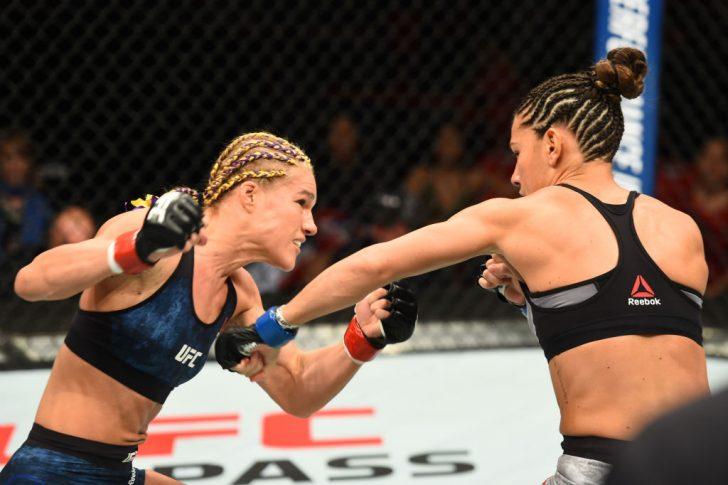UFC 218:フェリス・ヘリッグ vs. コートニー・ケイシー【アメリカ・ミシガン州デトロイト/2017年12月2日(Photo by Josh Hedges/Zuffa LLC/Zuffa LLC via Getty Images)】