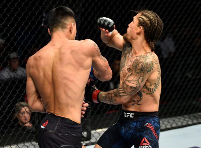 UFCファイトナイト・フレズノ:ルーク・サンダース vs. アンドレ・スーカムタス【カリフォルニア州フレズノ・アメリカ/2017年12月9日(Photo by Jeff Bottari/Zuffa LLC/Zuffa LLC via Getty Images)】