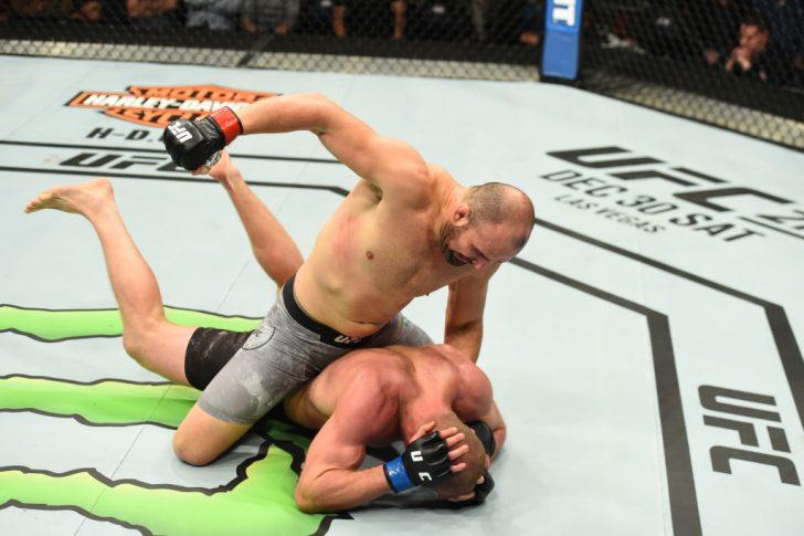 UFCファイトナイト・ウィニペグ:グローバー・テイシェイラ vs. ミシャ・サークノフ【カナダ・ウィニペグ/2017年12月16日(Photo by Josh Hedges/Zuffa LLC/Zuffa LLC via Getty Images)】