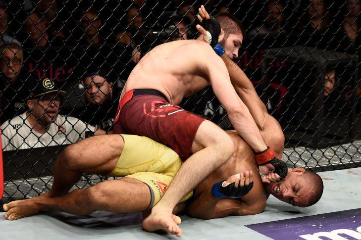 UFC 219:ハビブ・ヌルマゴメドフ vs. エドソン・バルボーザ【アメリカ・ネバダ州ラスベガス/2017年12月30日(Photo by Jeff Bottari/Zuffa LLC/Zuffa LLC via Getty Images)】