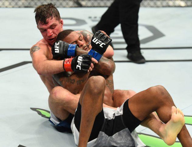 UFCファイトナイト・セントルイス:ダレン・エルキンス vs. マイケル・ジョンソン【ミズーリ州セントルイス・アメリカ/2018年1月14日(Photo by Josh Hedges/Zuffa LLC/Zuffa LLC via Getty Images)】