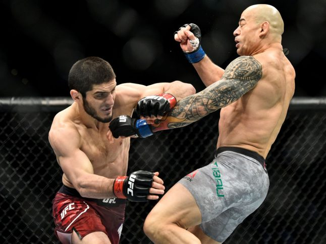 UFC 220:イスラム・マカチェフ vs. グレイゾン・チバウ【アメリカ・マサチューセッツ州ボストン/2018年1月20日(Photo by Brandon Magnus/Zuffa LLC/Zuffa LLC via Getty Images)】