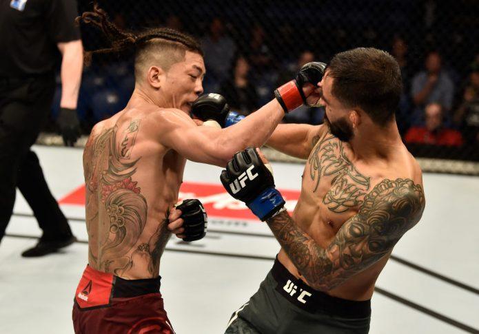 """UFC 221:石原""""夜叉坊""""暉仁 vs. ホセ・キノネス【オーストラリア・パース/2018年2月11日(Photo by Jeff Bottari/Zuffa LLC/Zuffa LLC via Getty Images)】"""