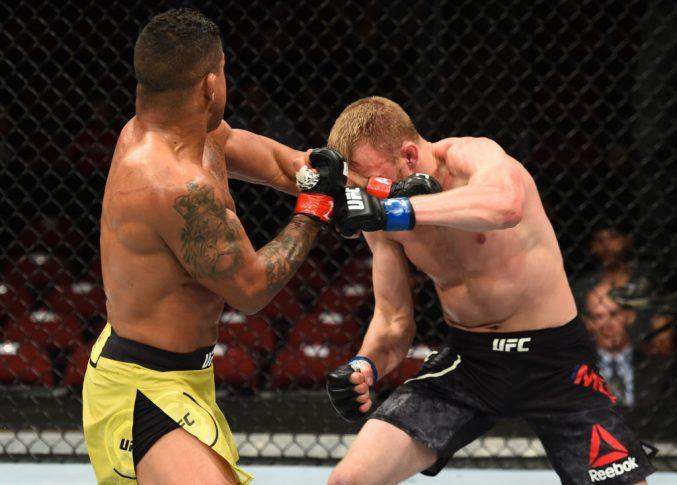 UFCファイトナイト・アリゾナ:ギルバート・バーンズ vs. ダン・モレット【アメリカ・アリゾナ州グレンデール/2018年4月14日(Photo by Josh Hedges/Zuffa LLC/Zuffa LLC via Getty Images)】