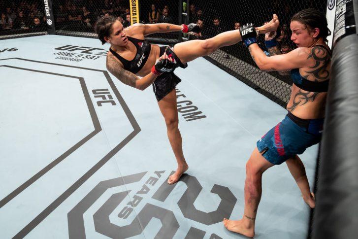 UFC 224:アマンダ・ヌネス vs. ラケル・ペニントン【ブラジル・リオデジャネイロ/2018年5月12日(Photo by Buda Mendes/Zuffa LLC/Zuffa LLC)】
