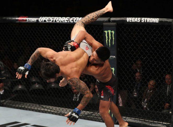 UFCファイトナイト・チリ:エンリケ・バルソラ vs. ブランドン・デイビス【チリ・サンティアゴ/2018年5月19日(Photo by Buda Mendes/Zuffa LLC/Zuffa LLC via Getty Images)】