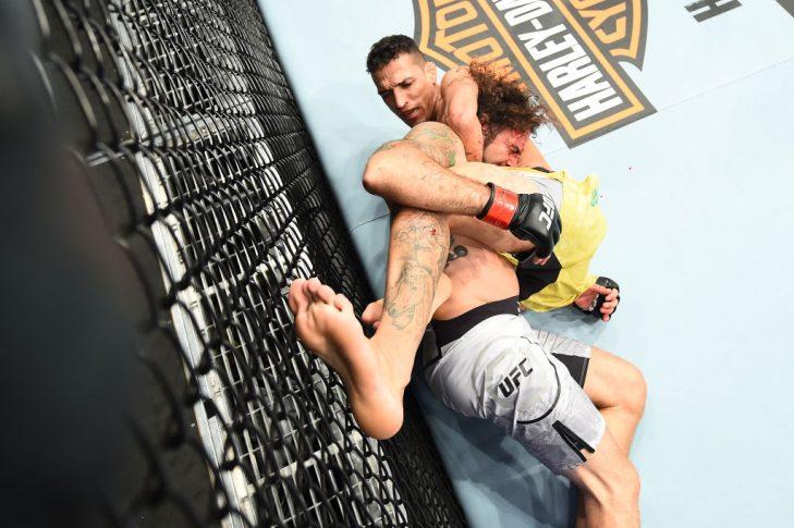 UFC 225:クレイ・グイダ vs. チャールズ・オリベイラ【アメリカ・イリノイ州シカゴ/2018年6月9日(Photo by Josh Hedges/Zuffa LLC/Zuffa LLC via Getty Images)】