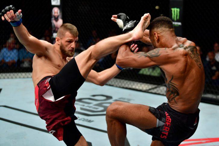 UFCファイトナイト・ハンブルク:ダニー・ロバーツ vs. ダビッド・ザワダ【ドイツ・ハンブルク/2018年7月22日(Photo by Jeff Bottari/Zuffa LLC/Zuffa LLC via Getty Images)】