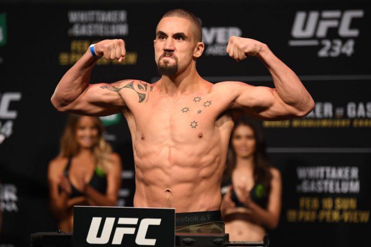 UFC 234:公式計量に登場したロバート・ウィテカー【オーストラリア・メルボルン/2019年2月9日(Photo by Jeff Bottari/Zuffa LLC/Zuffa LLC via Getty Images)】