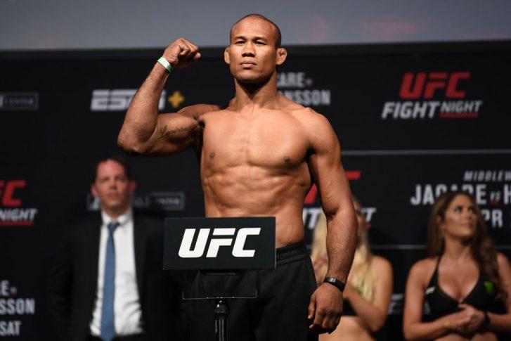 UFCファイトナイト・フロリダ:公式計量セレモニーに登場したジャカレ・ソウザ【アメリカ・フロリダ州サンライズ/2019年4月26日(Photo by Jeff Bottari/Zuffa LLC/Zuffa LLC via Getty Images)】