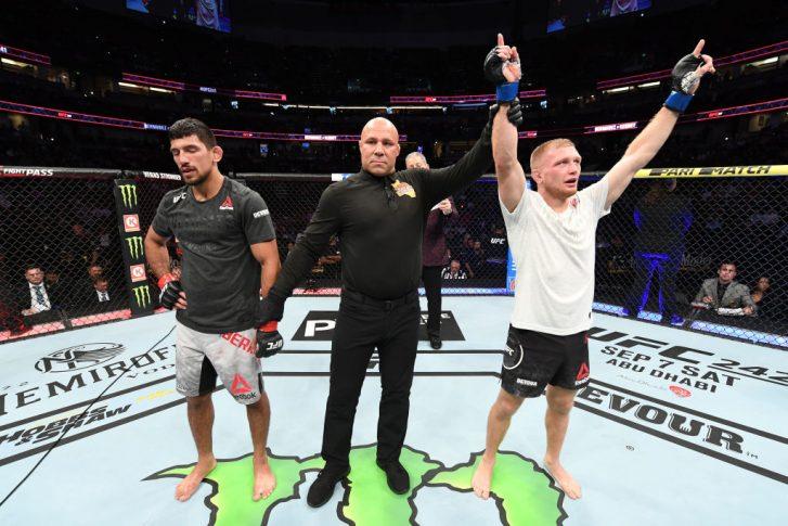 UFC 241:マニー・バミューデス vs. ケイシー・ケニー【アメリカ・カルフォルニア州アナハイム/2019年8月17日(Photo by Josh Hedges/Zuffa LLC/Zuffa LLC via Getty Images)】