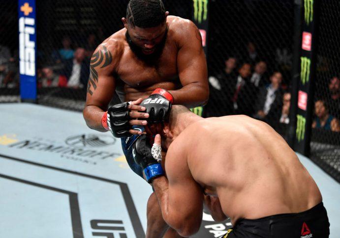 UFCファイトナイト・ノースカロライナ:カーティス・ブレイズ vs. ジュニオール・ドス・サントス【アメリカ・ノースカロライナ州ローリー/2020年1月25日(Photo by Jeff Bottari/Zuffa LLC via Getty Images)】