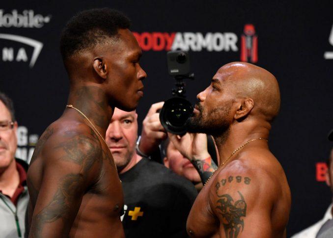 UFC 248:フェイスオフに臨んだイズラエル・アデサニヤとヨエル・ロメロ【アメリカ・ネバダ州ラスベガス/2020年3月6日(Photo by Jeff Bottari/Zuffa LLC)】
