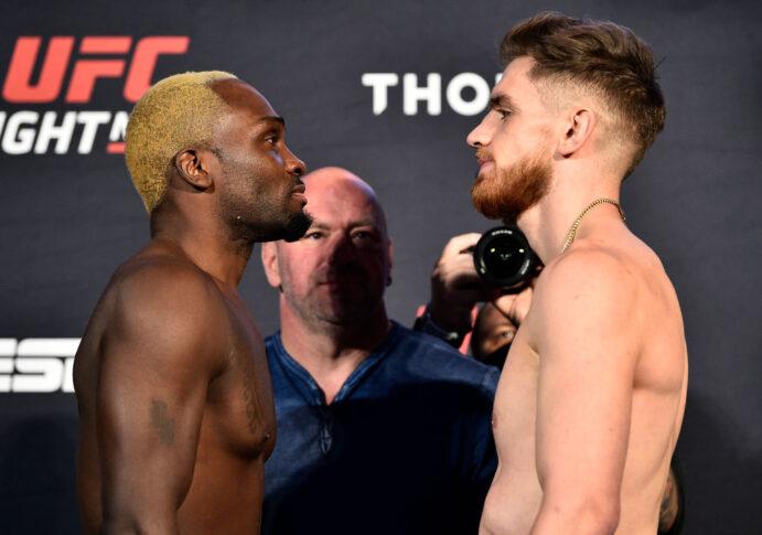 UFCファイトナイト・ラスベガス5:フェイスオフに臨んだデレク・ブランソンとエドメン・シャバージアン【アメリカ・ネバダ州ラスベガス/2020年7月31日(Photo by Chris Unger/Zuffa LLC via Getty Images)】