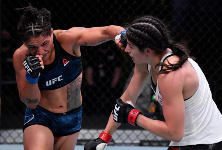 UFCファイトナイト・ラスベガス10:ジュリア・アビラ vs. シジャラ・ユーバンクス【アメリカ・ネバダ州ラスベガス/2020年9月12日(Photo by Jeff Bottari/Zuffa LLC)】