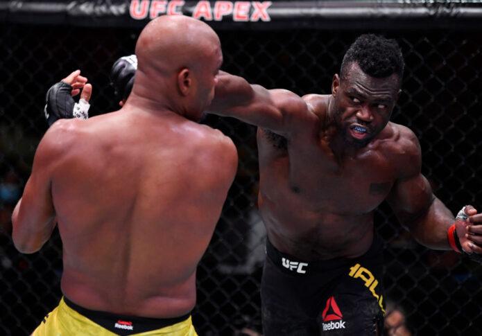 UFCファイトナイト・ラスベガス12:ユライア・ホール vs. アンデウソン・シウバ【アメリカ・ネバダ州ラスベガス/2020年10月31日(Photo by Jeff Bottari/Zuffa LLC)】