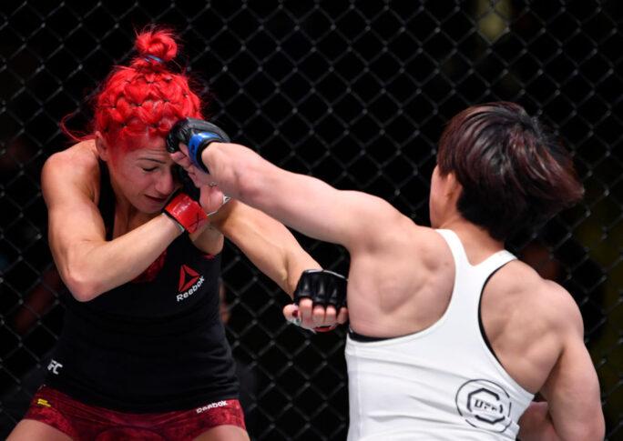 UFCファイトナイト・ラスベガス14:ランダ・マルコス vs. 村田夏南子【アメリカ・ネバダ州ラスベガス/2020年11月14日(Photo by Jeff Bottari/Zuffa LLC)】