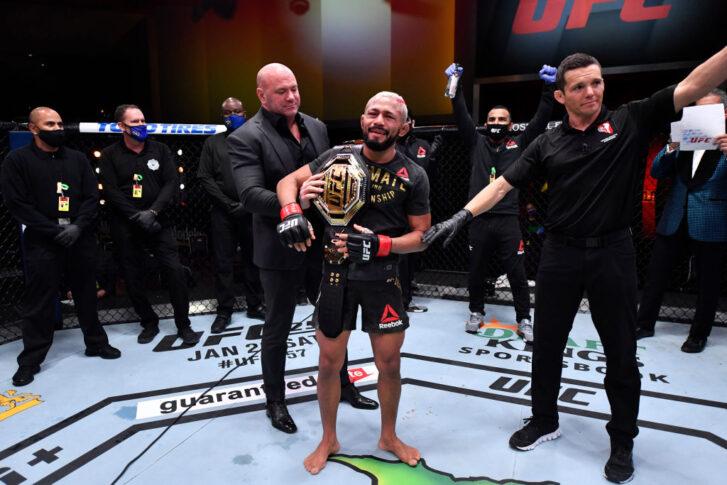 UFC 256:デイブソン・フィゲイレード vs. ブランドン・モレノ【アメリカ・ネバダ州ラスベガス/2020年12月12日(Photo by Jeff Bottari/Zuffa LLC)】