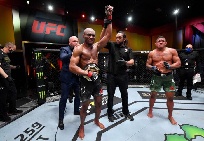 UFC 258:カマル・ウスマン vs. ギルバート・バーンズ【アメリカ・ネバダ州ラスベガス/2021年2月13日(Photo by Jeff Bottari/Zuffa LLC via Getty Images)】