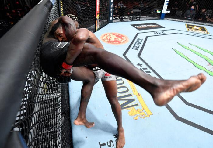 UFC 260:アロンゾ・メニフィールド vs. ファビオ・シェラント【アメリカ・ネバダ州ラスベガス/2021年3月27日(Photo by Jeff Bottari/Zuffa LLC)】