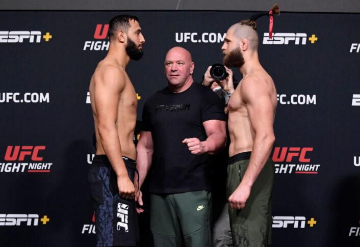 UFCファイトナイト・ラスベガス25:公式計量後のフェイスオフに望んだドミニク・レイエスとイリー・プロハースカ【アメリカ・ネバダ州ラスベガス/2021年4月30日(Photo by Jeff Bottari/Zuffa LLC via Getty Images)】