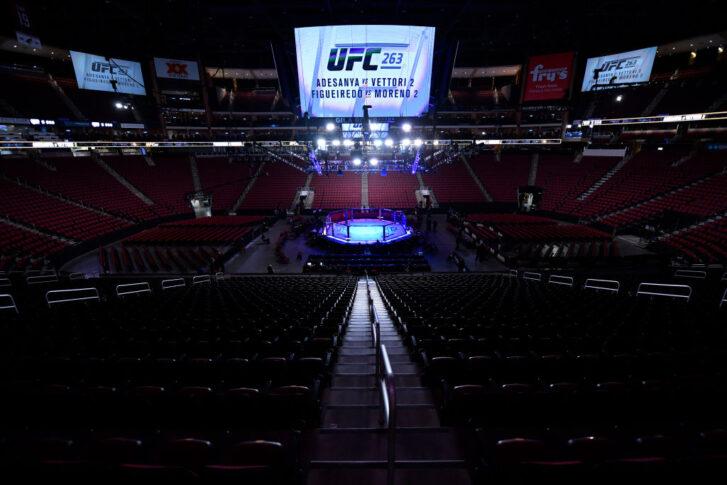 UFC 263:オクタゴン【アメリカ・アリゾナ州グレンデール/2021年6月12日(Photo by Jeff Bottari/Zuffa LLC)】