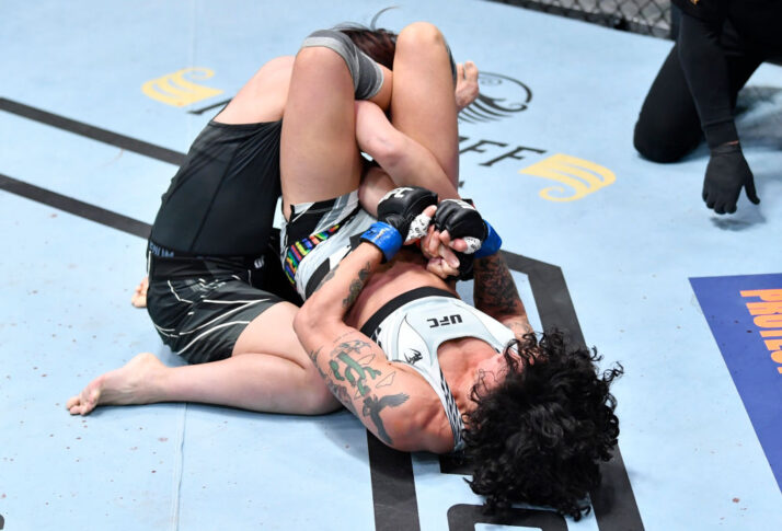 UFCファイトナイト・ラスベガス29:村田夏南子 vs. ビルナ・ジャンジロバ【アメリカ・ネバダ州ラスベガス/2021年6月19日(Photo by Chris Unger/Zuffa LLC)】