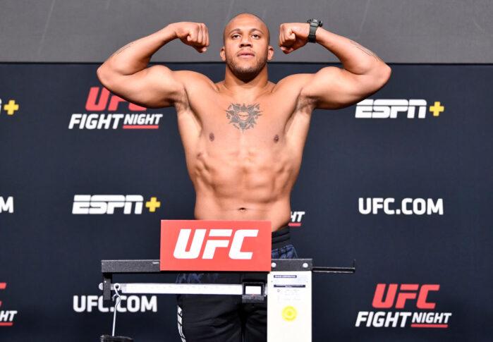 UFCファイトナイト・ラスベガス30:公式計量に臨んだシリル・ガーヌ【アメリカ・ネバダ州ラスベガス/2021年6月25日(Photo by Chris Unger/Zuffa LLC)】