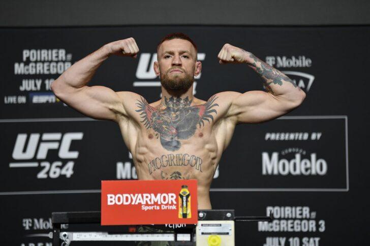 UFC 264:公式計量に臨んだコナー・マクレガー【アメリカ・ネバダ州ラスベガス/2021年7月9日(Photo by Jeff Bottari/Zuffa LLC via Getty Images)】
