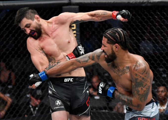 UFC 264:カーロス・コンディット vs. マックス・グリフィン【アメリカ・ネバダ州ラスベガス/2021年7月10日(Photo by Jeff Bottari/Zuffa LLC)】